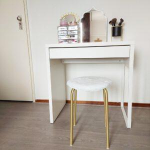 Ikea hack krukje met vacht