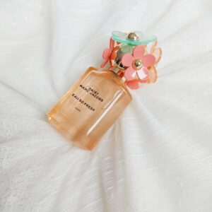 Review Daisy marc jacobs